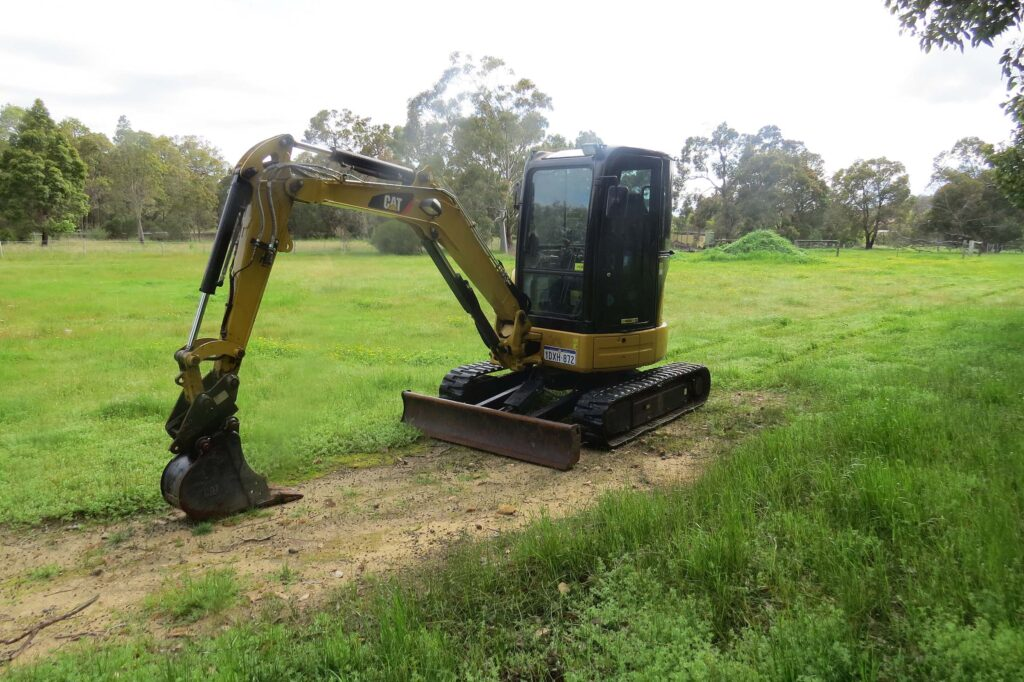 3.5 Tonne Caterpillar 303.5D Excavator - Earthworks & Earthmoving Equipment Hire Perth - JEDS Contracting