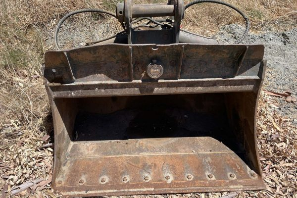 Tilting Batter Bucket for 14.5T Excavator - Machine Accessories for Hire - Earthworks & Earthmoving Equipment Hire Perth - JEDS Contracting