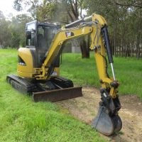 3.5 Tonne Excavator & Accessories For Hire - JEDS Contracting