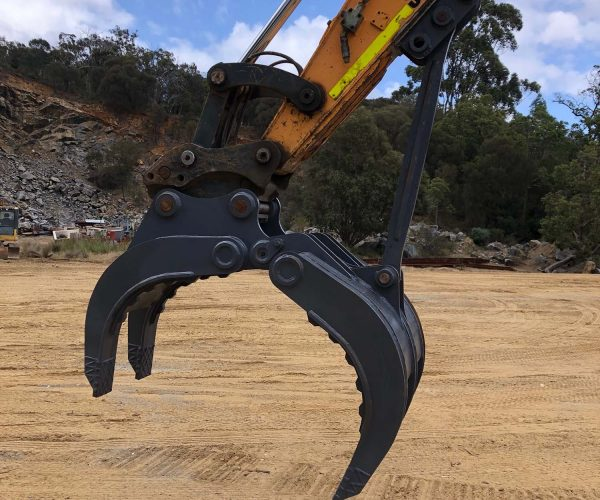 14.5 Tonne Excavator - Machine Accessories for Hire - Earthworks & Earthmoving Equipment Hire Perth - JEDS Contracting